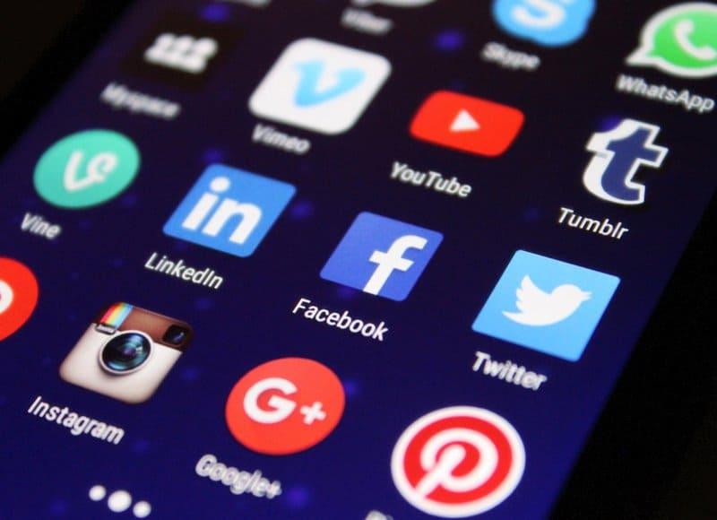 Improve WordPress site seo using social media